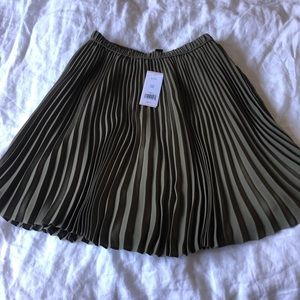 NWT banana republic mini skirt - petite 00